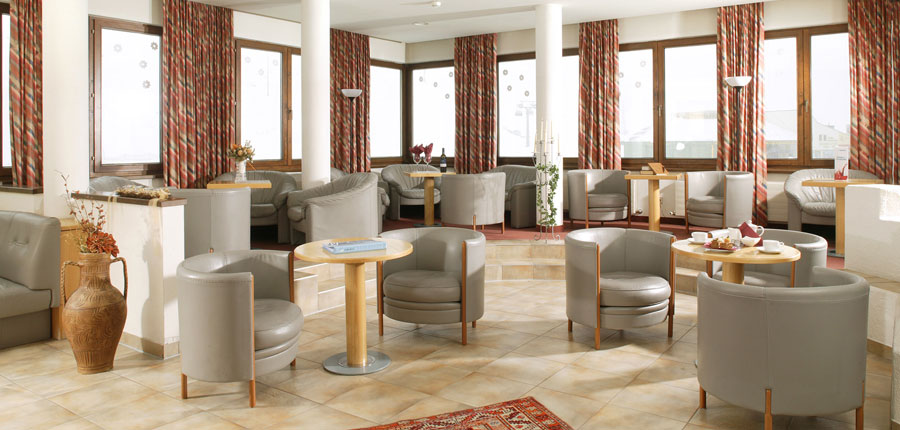 austria_kuhtai_chalet-hotel-elisabeth_bar_lounge.jpg